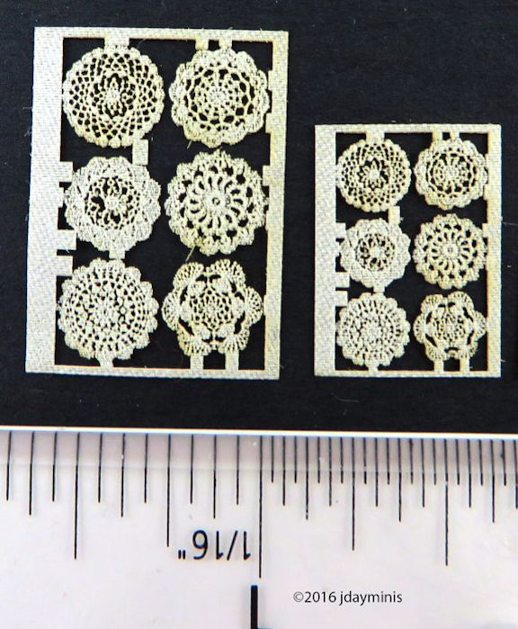 Laser Lace in Cotton Doilies Round; 1:48 LQ027L